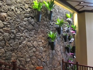 Aulani Stone Wall Flowers